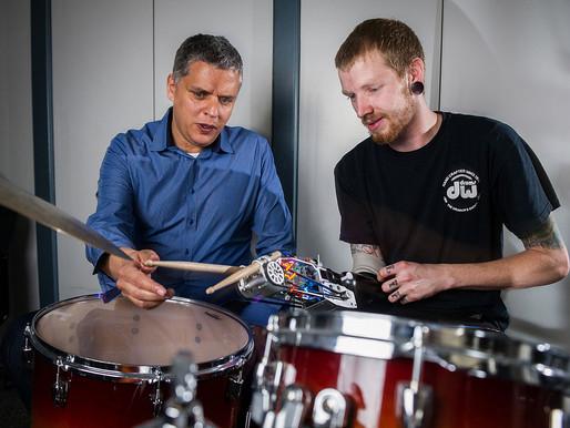 Kickstarter para construir un brazo prostético que permita a un músico seguir tocando la batería