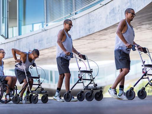 Tres parapléjicos vuelven a caminar gracias a un electroestimulador