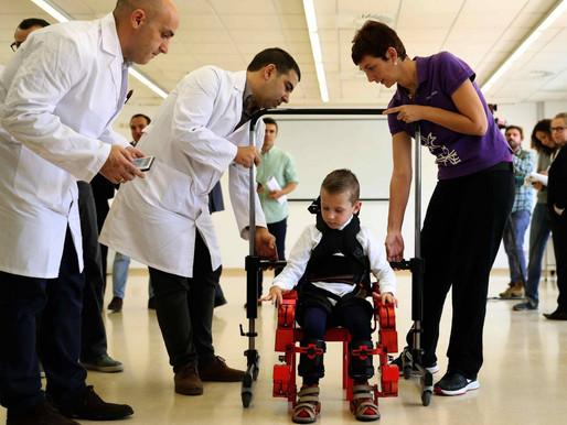 El exoesqueleto de Marsi Bionics comienza aprobarse en  el hospital pediátrico Sant Joan de Déu