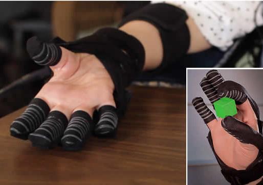 Desarrollan un guante robótico para personas que padecen distrofia muscular y esclerosis
