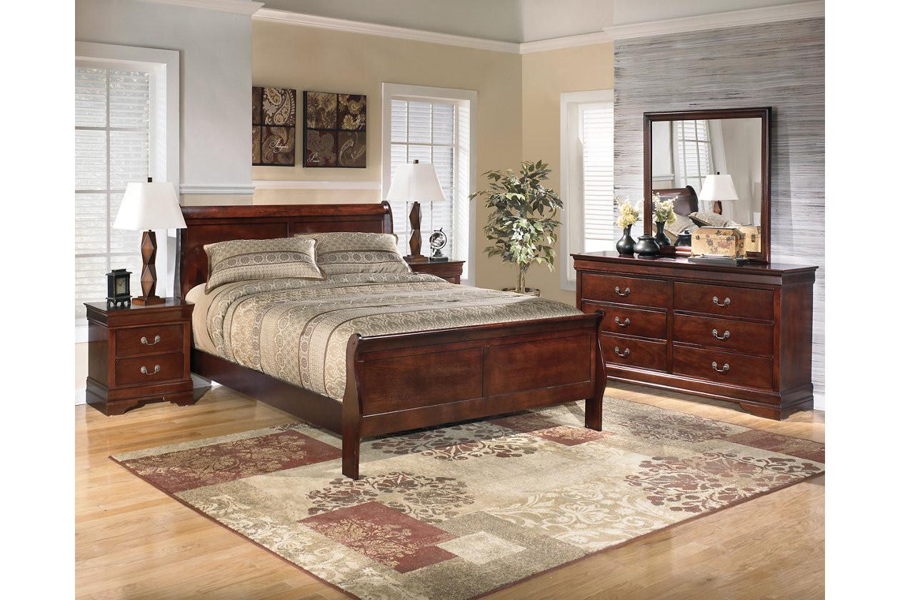 Alisdair 5-Piece Queen Master Bedroom IT