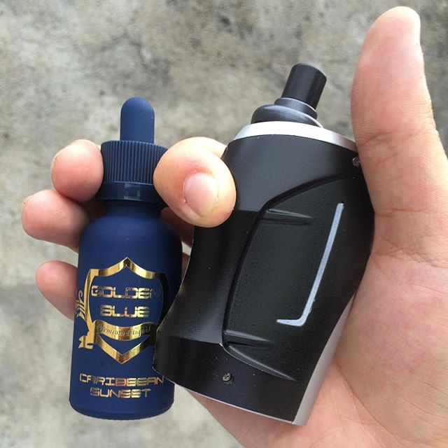 Anyone wants to own this Golden set up___goldenblueliquid #vapelyfe#vapefam#vapecommunity #vapeon#va