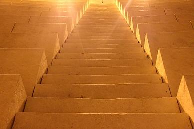 stairs-106933_640.jpg