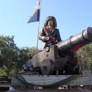 Cannon /w Pirate Capt. Vignette