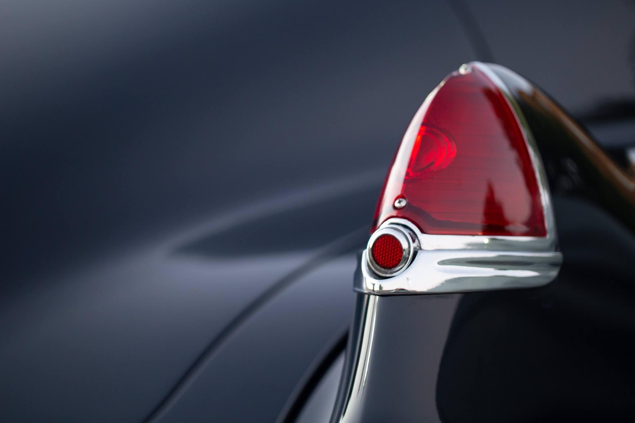 ART - Cadillac Sedanette