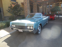 Drive Tour - Lincoln Continental