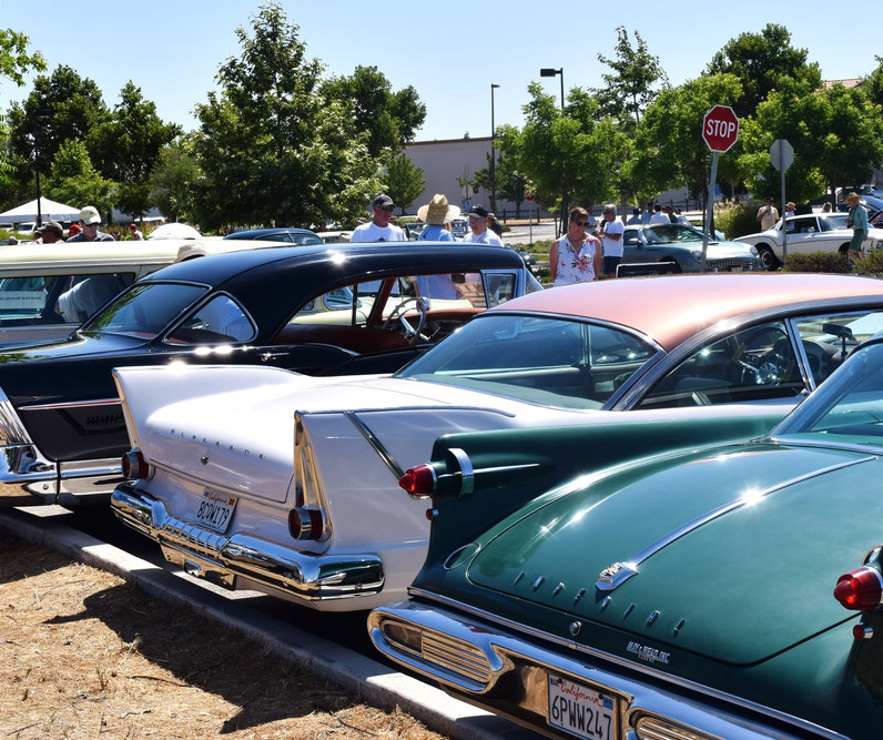 Car Show - Fins and more fins.jpg