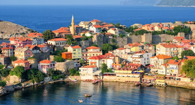 cityscape-amasra-black-sea-coast-turkey_main