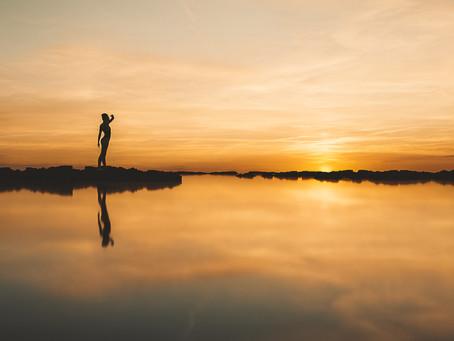 Corona Render Free Tutorial Lesson - Golden Reflectivity