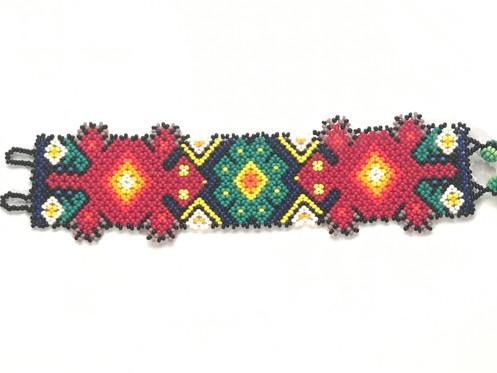 1453cabfeabb Pulsera de chaquiras. Código AHPT0017. Arte Popular Mexicano Arte Huichol.
