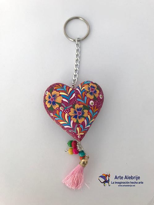 Alebrije de Madera   Llavero de Corazón Rosa con Flores Amarillas Mediano