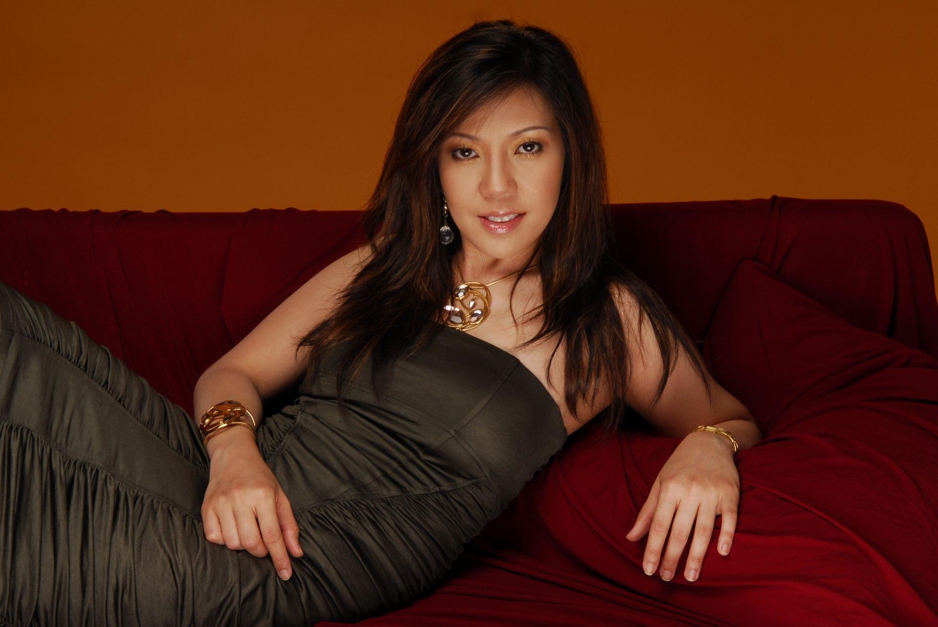 Ela Alegre - Singer