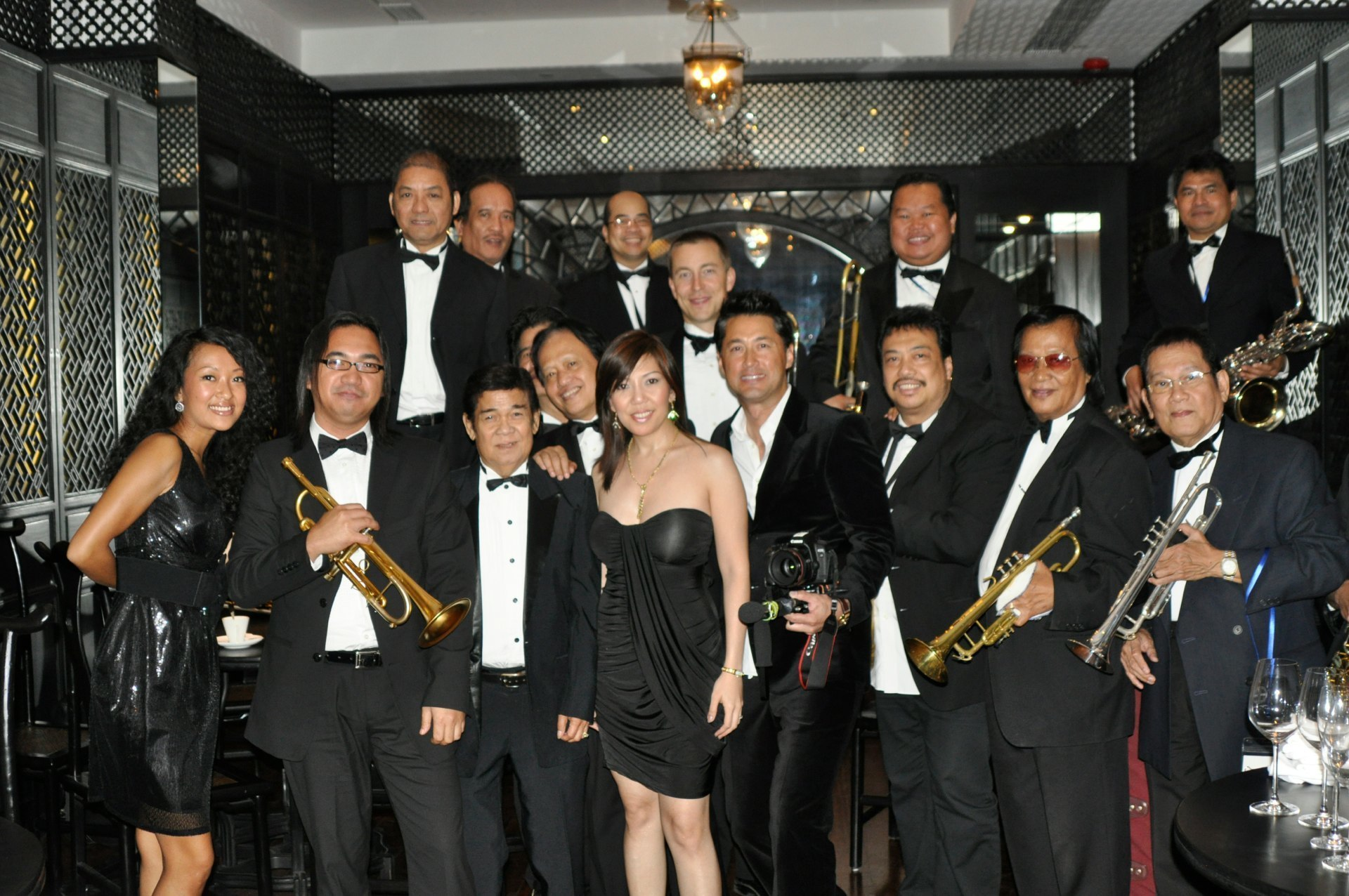 Ela Alegre - Michael Wong Big Band