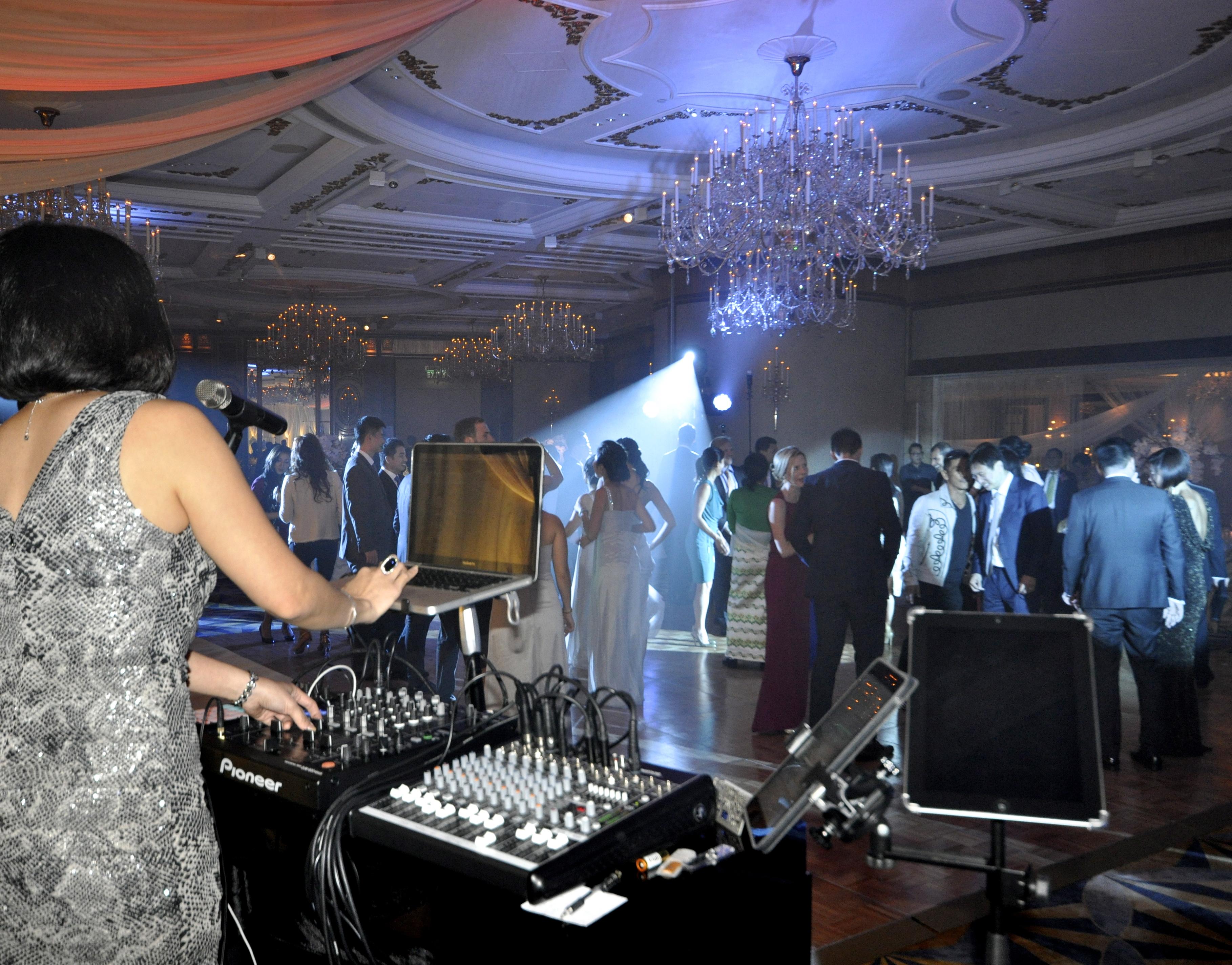 DJ Ela