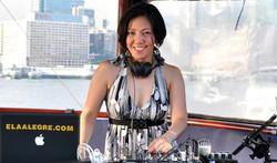 VoSSa DJ Vocalist Ela Alegre