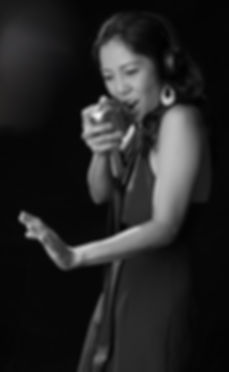 Ela Alegre - Female DJ Vocalist