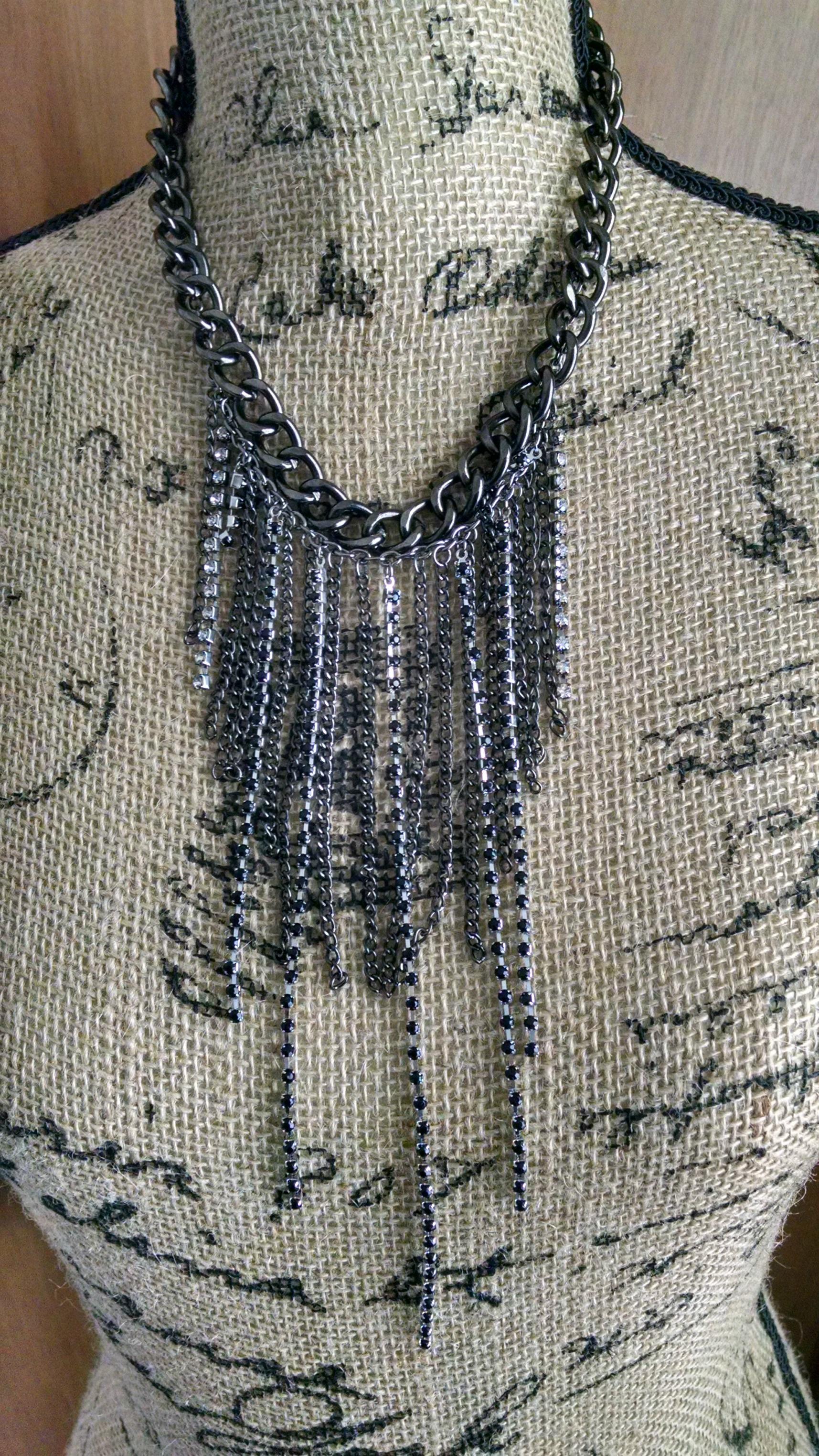 Chain links & black rhinestones