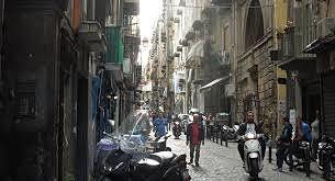 バックパッカー イタリアまだ続くナポリ
