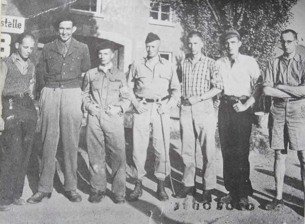 De Guard Military Police in Dachau met Con Broers
