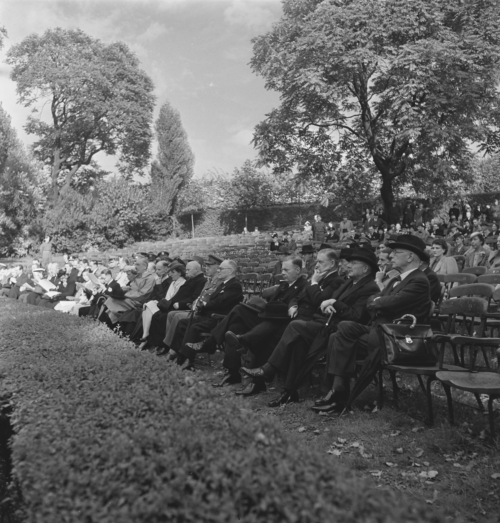 Ministers bij Wilhelmina's verjaardag in Londen, 1944.