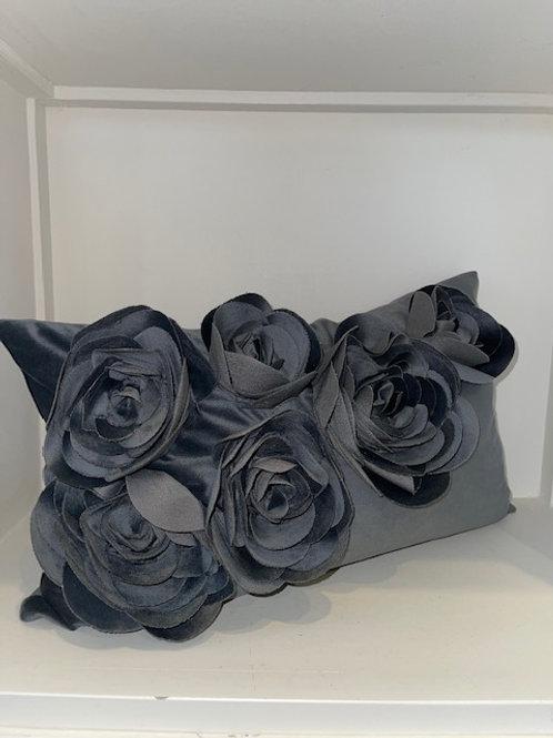 Kissen Samt dunkelgrau 30x50 mit Inlet PAD-Concept