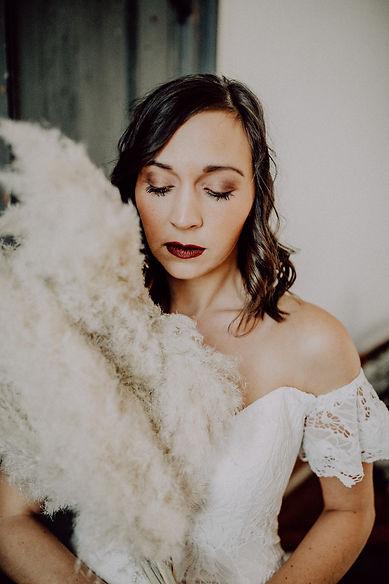 Frau Herz Fotografie Brautshooting Kleid von Oh Yes Atelier Forchheim
