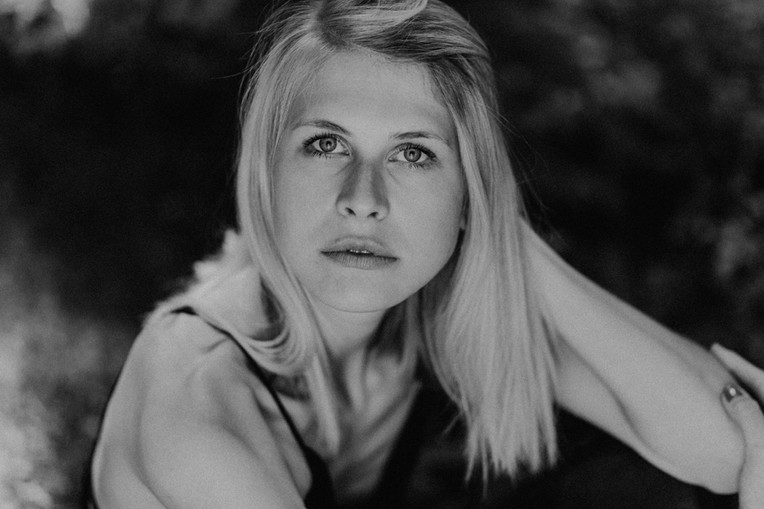 Laura-Frau-Herz-Janson-3.jpg