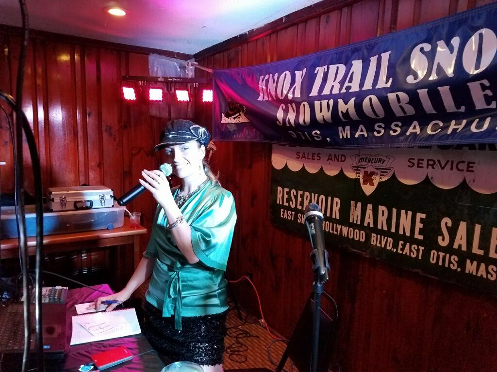 Vicki Rose MC'd the event