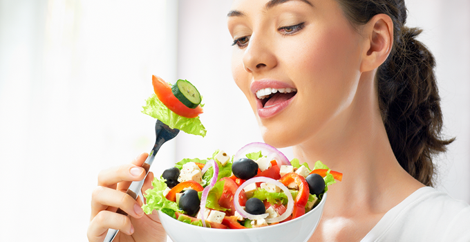Healthy-eating-tips-for-women-at-401