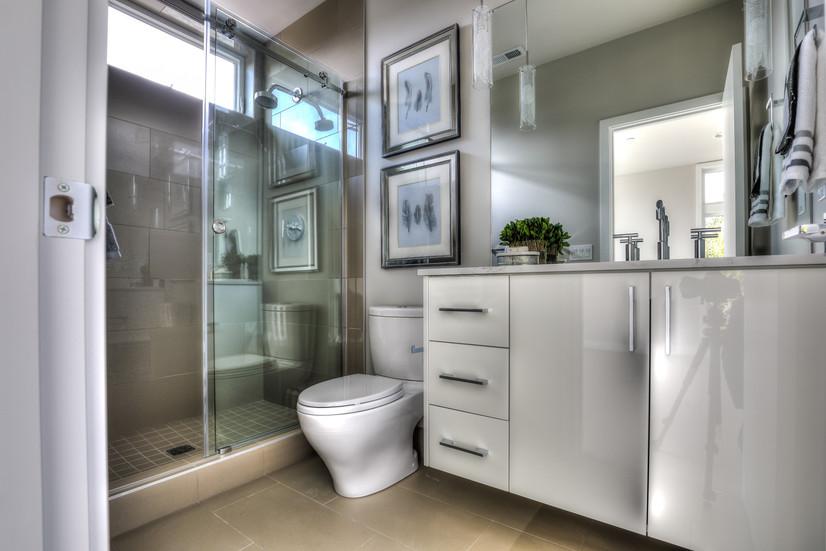 Bathrm 2.jpg