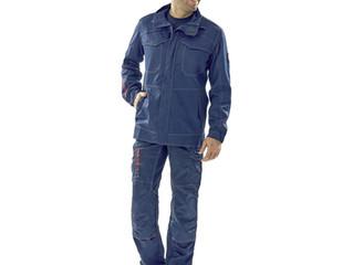 Le bleu de travail, un vrai retour à la mode