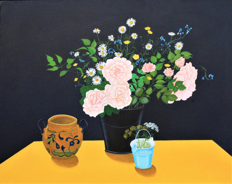 YELLOW TABLE, PINK ROSES