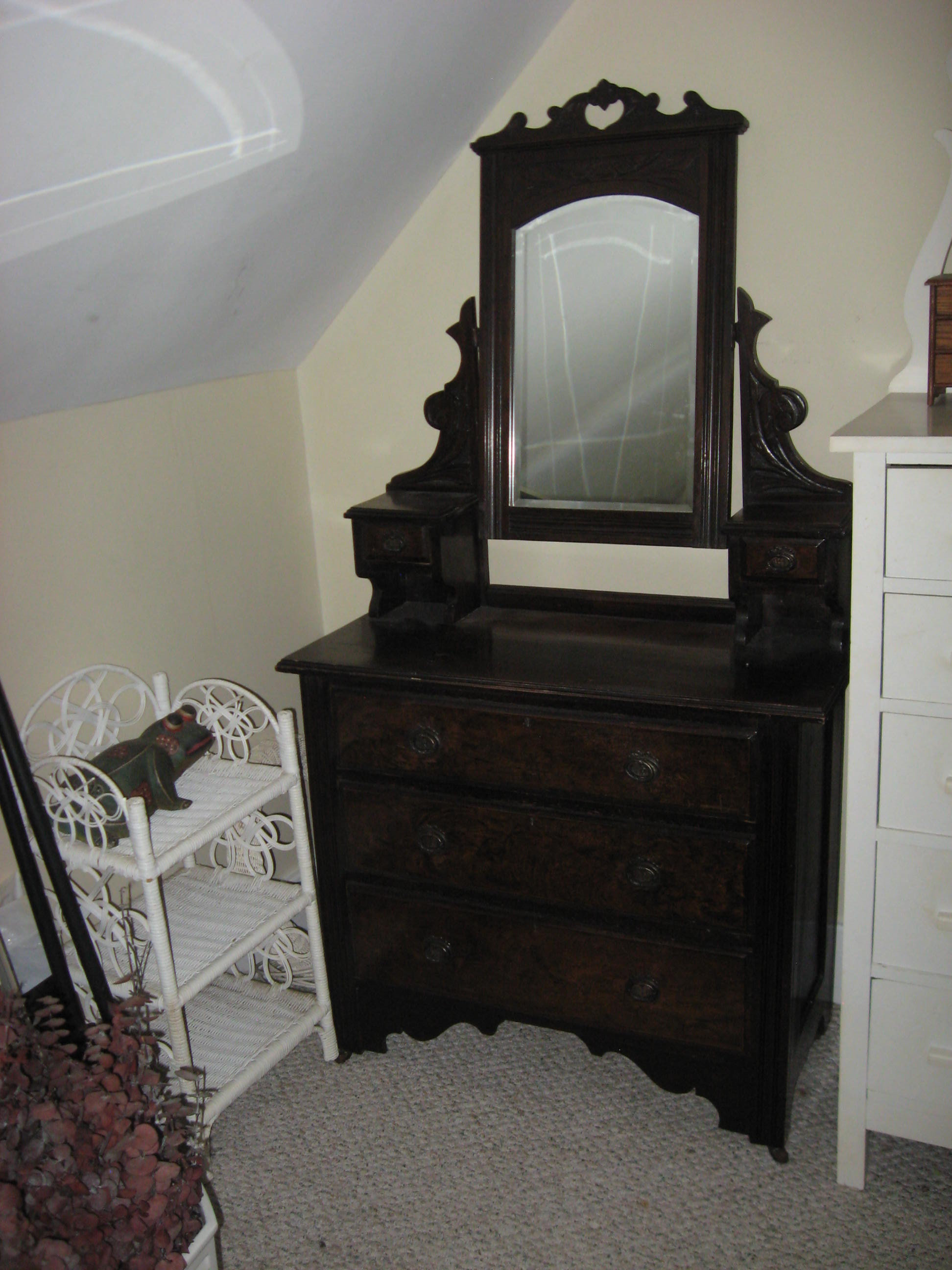 Antique Dresser With Mirror Website