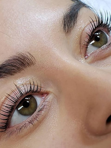 Lash Lift is a new way of perming the la
