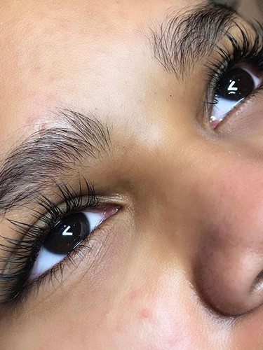 CLASSIC LASHES✨⠀⠀⠀⠀⠀⠀⠀⠀⠀ by @luminesce.c