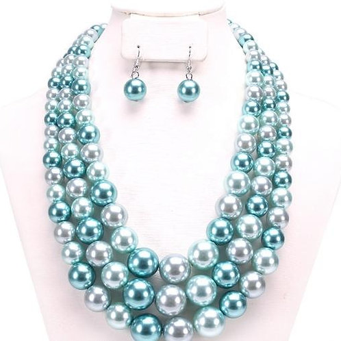 Isabella - 3 Strand Pearl Necklace Set