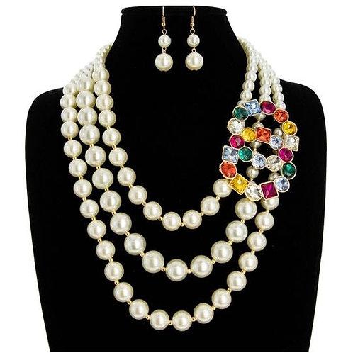 Naomi- 3 Strand Pearl Necklace w/ Brooch Set