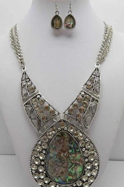 Fiona - Pendant Necklace Set