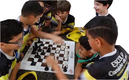 Escola Caminho do Sol xadrez.jpg