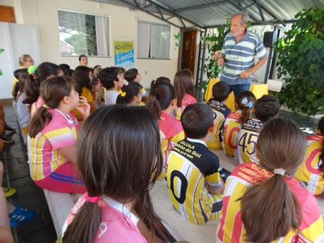 """Oficina infantil """"Como se faz um livro"""" com a Franco Editora"""