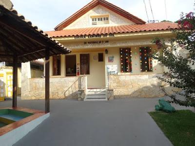 Escola Caminho do Sol Fachada.jpg