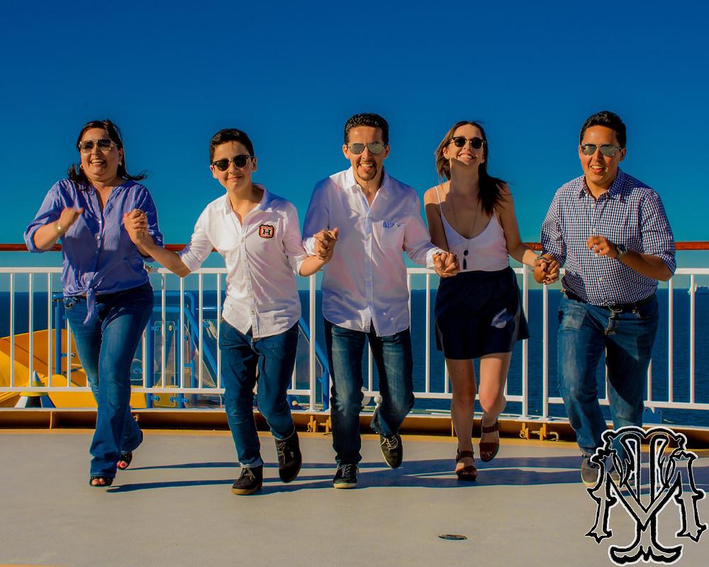 Dvalos Family and their amazing photo shoot...