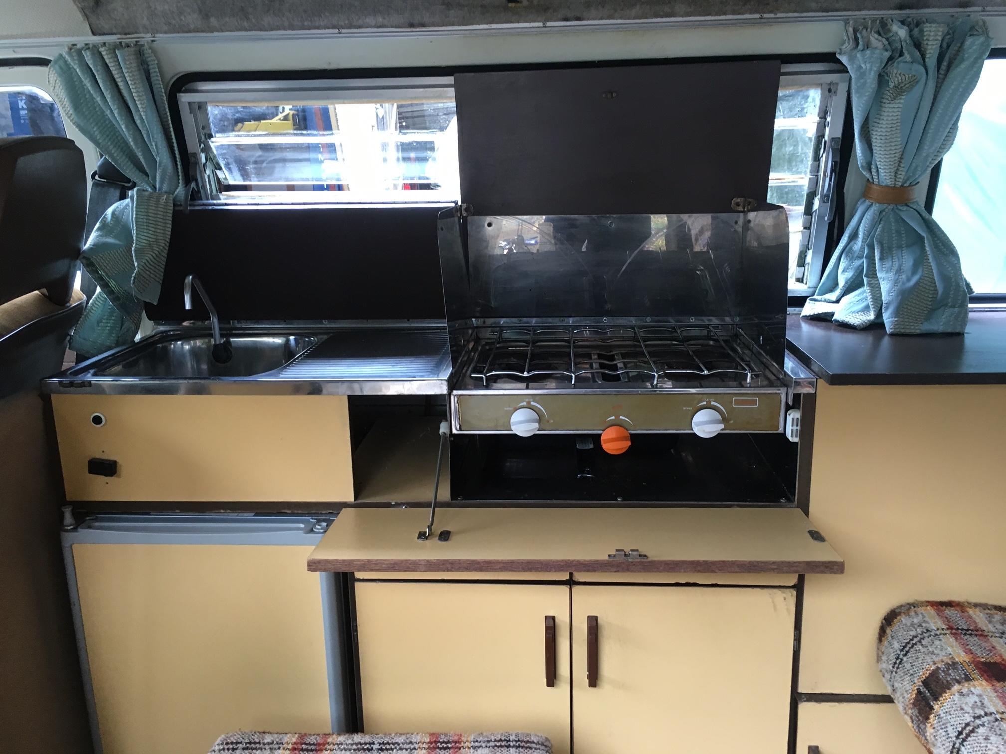 VW Devon Moonraker Cooker