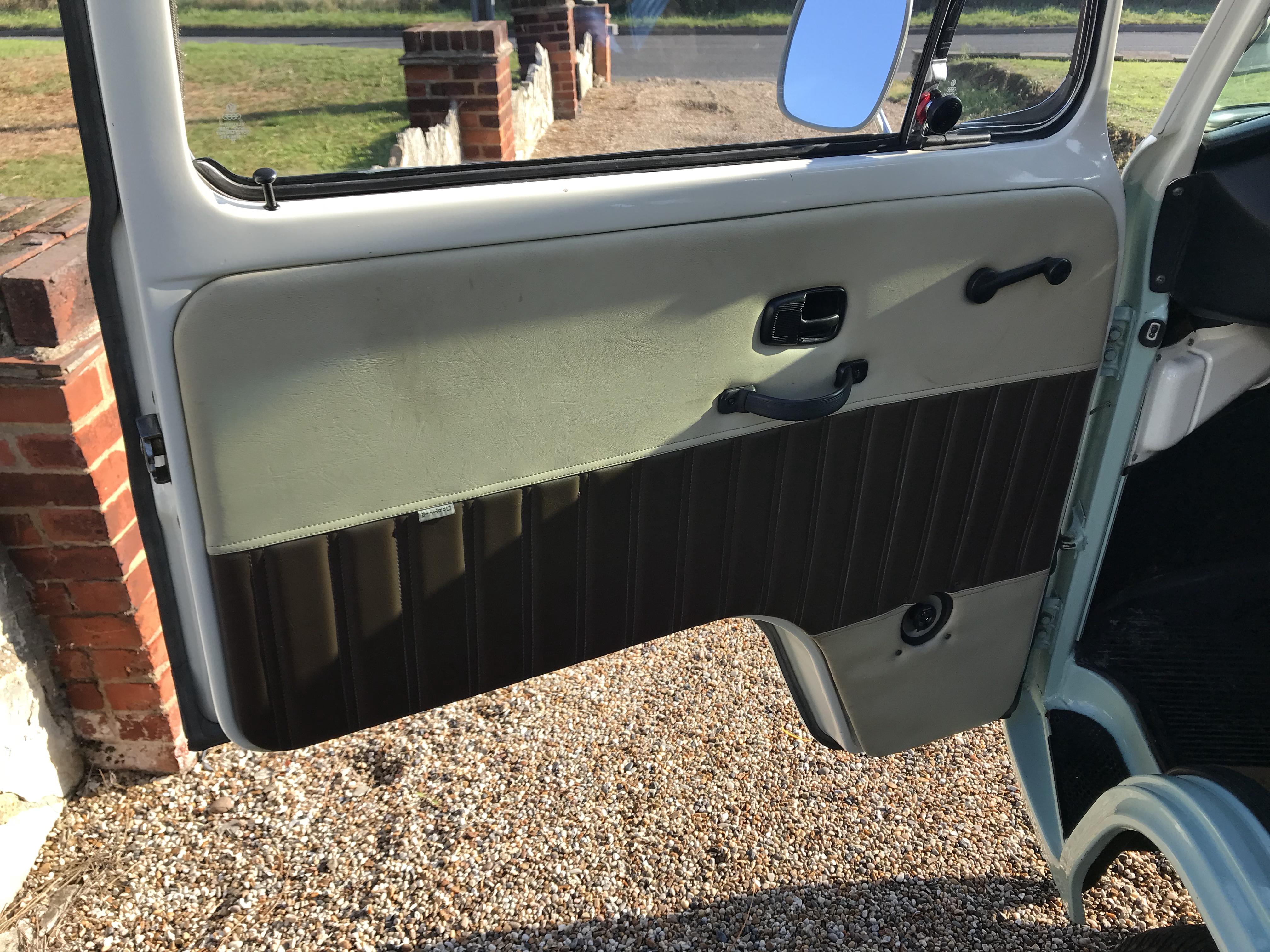volkswagen-campervan-interiors