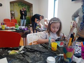 """Арт работилница за деца сдружение  """"Аутизъм Днес""""  и детски център """"Angels Steps"""" по повод  2 април"""