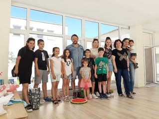 Деца създадоха цветни мозайки с подкрепата на Калин Терзийски