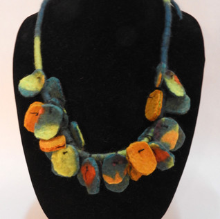 Hanging disks necklace Teal and gold