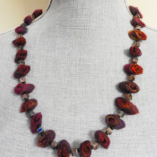 Felt and Beads necklace