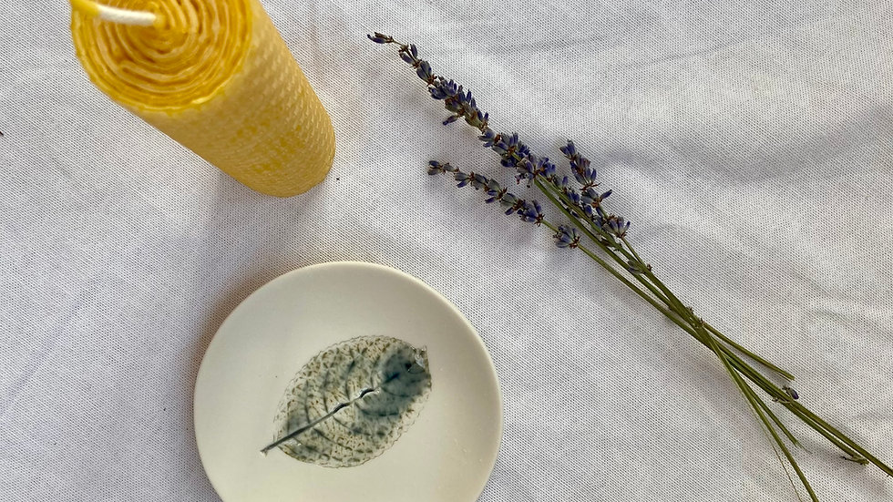 Leaf Embossed Ceramic & Beeswax Candle