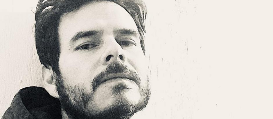"ENTREVISTA: ILUSTRADOR ROGER YCAZA CONTA COMO FOI O PROCESSO CRIATIVO DE ""TANTA CHUVA NO CÉU"""